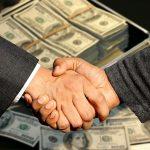 Půjčit si v dnešní době nějaké peníze není žádný problém. I kdyby bylo nejhůř, vždy se najde někdo, kdo je ochoten pomoci. Stačí ho jenom najít.